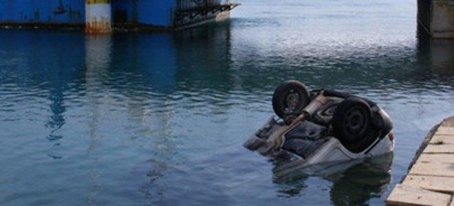 Τραγωδία με έναν νεκρό στην Εύβοια - Επεσε στη θάλασσα με το αυτοκίνητο του