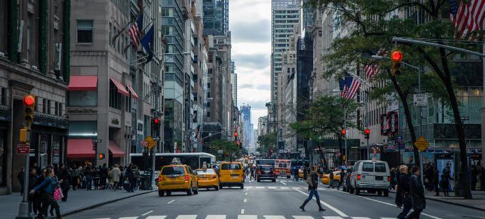 Δρόμος, αυτοκίνητα/Φωτογραφία: pexels