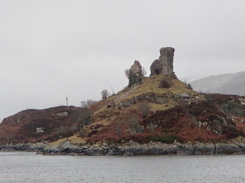 Μια πελώρια μπάλα φωτός κατέστρεψε κάστρο στη Σκωτία! Δείτε το βίντεο!