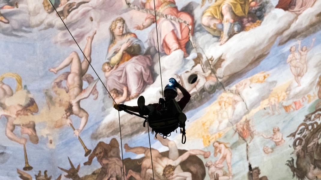 Εργα συντήρησης στον καθεδρικό  Santa Maria del Fiore της Φλωρεντίας -Φωτογραφία: Claudio Giovannini/Opera del Duomo press office via AP
