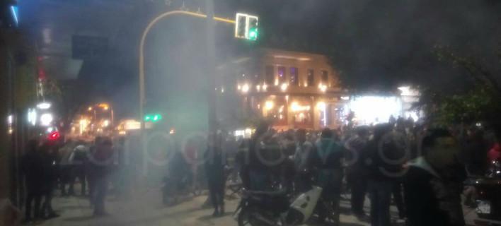 Επεισόδια στα Χανιά μετά το καρναβάλι: Χρήση κρότου-λάμψης έκανε η ΕΛ.ΑΣ. [εικόνες]