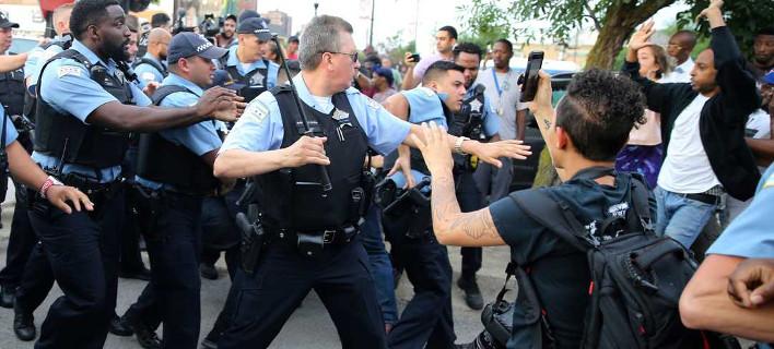 Ειχαν υποψίες οτι οπλοφορεί, φωτογραφία: apimages / Nuccio DiNuzzo