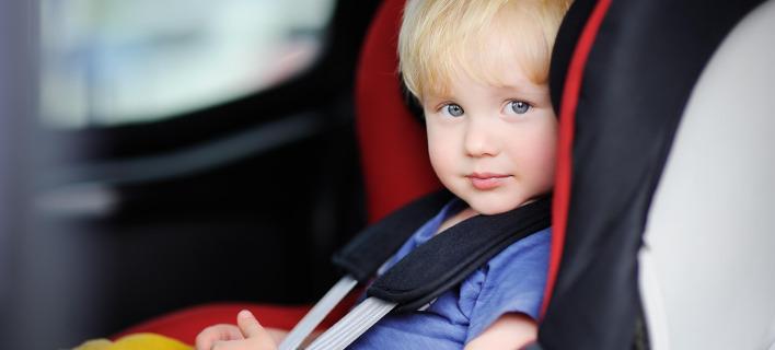 Μην αφήνετε ποτέ το παιδί στο αυτοκίνητο εν μέσω καύσωνα. Φωτογραφία: Shutterstock
