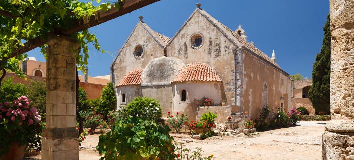 Εκκλησία στην Κρήτη/ Φωτογραφία: Shutterstock