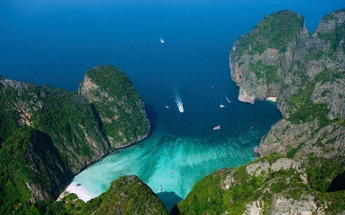 Cnn: 20 εκπληκτικές παραλίες με βράχους
