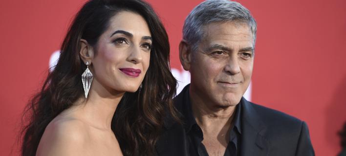 Ο Τζορτζ και η Αμάλ Κλούνεϊ (Φωτογραφία: AP/  Jordan Strauss)