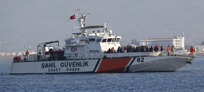 Μέχρι στιγμής έχουν περισυλλεγεί σώοι 38 μετανάστες (Reuters/Murad Sezer)
