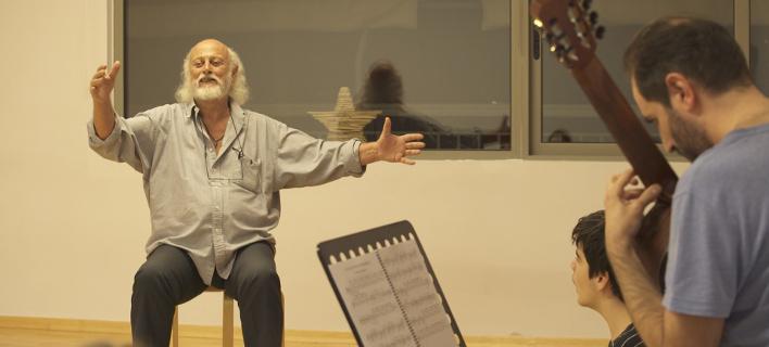 «Κυνηγώντας το όνειρο» με τον λυρικό τραγουδιστή Σπύρο Σακκά, στο Cosmote History HD [βίντεο]