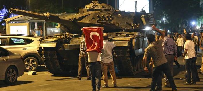 Ενας χρόνος από το πραξικόπημα στην Τουρκία -Εκδηλώσεις σε Αγκυρα και Κωνσταντινούπολη [εικόνες & βίντεο]