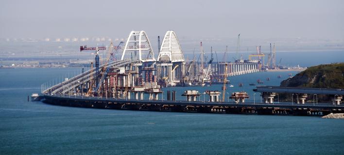 H νέα γέφυρα που συνδέει τη Ρωσία με την Κριμαία