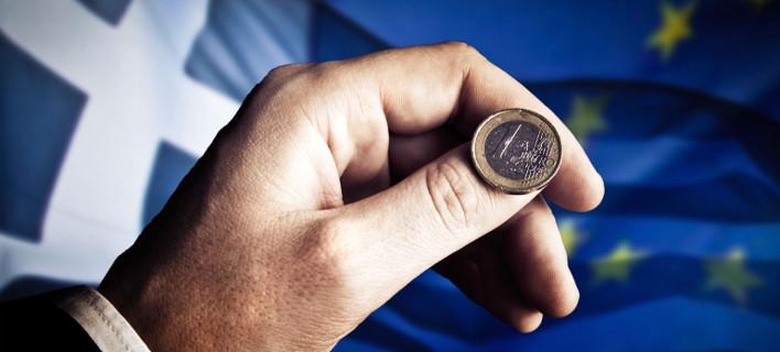 Γκάλοπ του Bloomberg: Συντριπτικό «ναι» υπέρ της Ευρωζώνης -Μεγάλο «όχι» στη δραχμή
