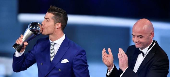 Ο Κριστιάνο Ρονάλντο πήρε την «Χρυσή Μπάλα» για το 2016