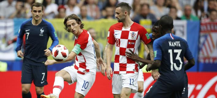 Ο τελικός Γαλλία-Κροατία κέντρισε το ενδιαφέρον όλων /Φωτογραφία: AP