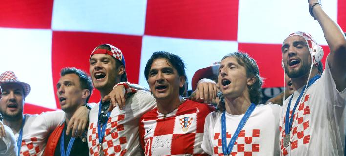 Οι παίκτες της Εθνικής Κροατίας πανηγυρίζουν /Φωτογραφία: AP