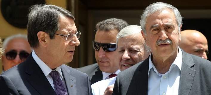 Κύπρος: Διαφωνίες διαπίστωσαν στη συνάντησή τους Aναστασιάδης και Ακιντζί