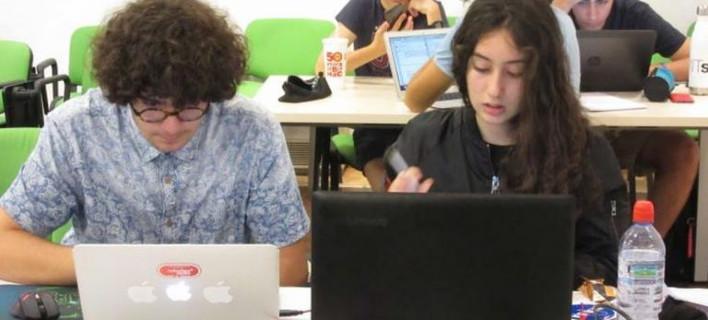 Δύο Κύπριοι 14χρονοι πήραν το πρώτο βραβείο της NASA και θα εκπαιδευτούν μαζί με αστροναύτες