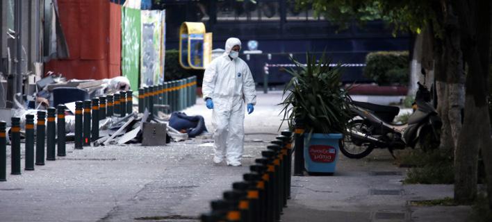 Συνεχίζονται οι έρευνες της Αντιτρομοκρατικής μετά την έκρηξη βόμβας στη Eurobank