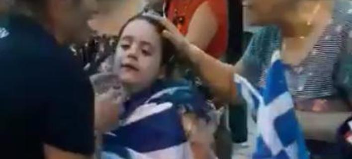 Συγκλονιστικά βίντεο από τα επεισόδια στη ΔΕΘ -Παιδιά κλαίνε, γυναίκες λιπόθυμες από τα χημικά