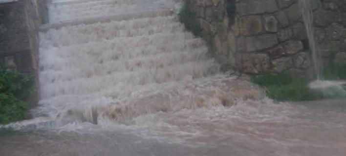 Θεομηνία: Πνίγηκαν τα νησιά του Ιονίου - Κινδύνευσαν άνθρωποι στην Κεφαλονιά