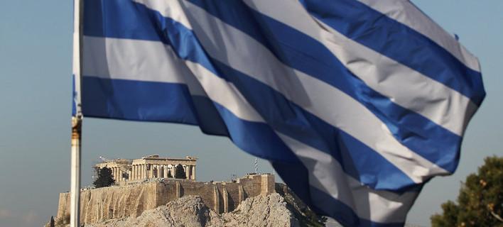 Bloomberg: Κουρέψτε το ελληνικό χρέος, δώστε τέλος στο ελληνικό δράμα