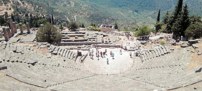 Ενα θαύμα ξεκινά τώρα: Το Αρχαίο Θέατρο Δελφών επιστρέφει