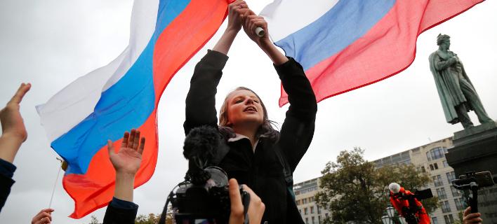 Η Ρωσία θα τιμωρεί γονείς παιδιών που μετέχουν σε πορείες κατά του Πούτιν!