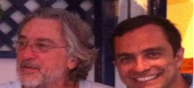 Στη Σαντορίνη ο Ρόμπερτ Ντε Νίρο και ο Τζον Τραβόλτα [εικόνα]