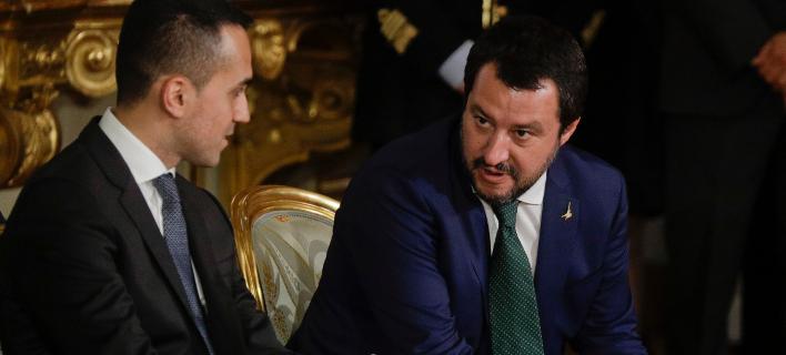 Oι δύο αντιπρόεδροι της Ιταλικής κυβέρνησης, Λουίτζι Ντι Μάιο και Ματέο Σαλβίνι (Φωτογραφία: ΑΡ/Gregorio Borgia)