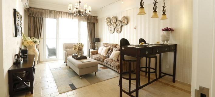 Στο σαλόνι ενός σπιτιού/ Φωτογραφία: Unsplash