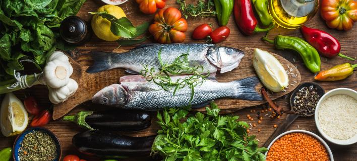 Πολλαπλά τα οφέλη της μεσογειακής διατροφής (Φωτογραφία: shutterstock)