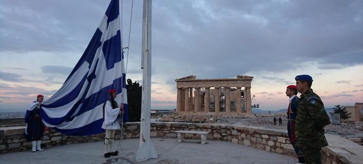 Η γερμανική εφημερίδα Die Zeit λέει ότι «κάτι αλλάζει στην Ελλάδα»