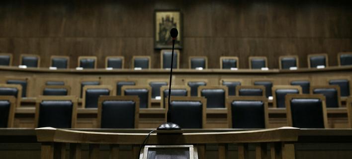 Ξέσπασε «εμφύλιος» στη Δικαιοσύνη με αφορμή την κίνηση για διάσπαση της Ενωσης Δικαστών και Εισαγγελέων