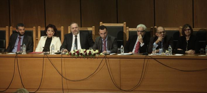 Στιγμιότυπο από τη συνέλευση της Ενωσης Δικαστών και Εισαγγελέων (Φωτογραφία: EUROKINISSI/ ΧΡΗΣΤΟΣ ΜΠΟΝΗΣ)