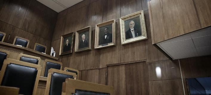 Πόλεμος μεταξύ εισαγγελέων για την ανακοίνωση-κριτική στην κυβέρνηση -Παραιτήθηκαν 5 εισαγγελείς