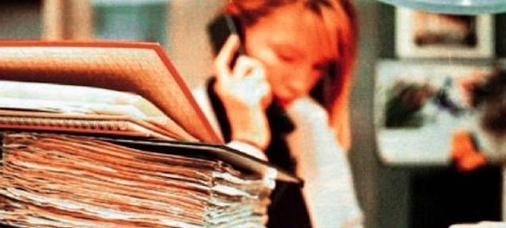 Ανακαλούνται οι επαναπροσλήψεις 9.000 δημοσίων υπαλλήλων