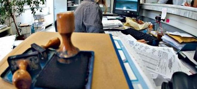 Το Δημόσιο τελείωσε – 12.500 μπαίνουν σε διαθεσιμότητα και 2.000 απολύονται μέχρι το Δεκέμβριο