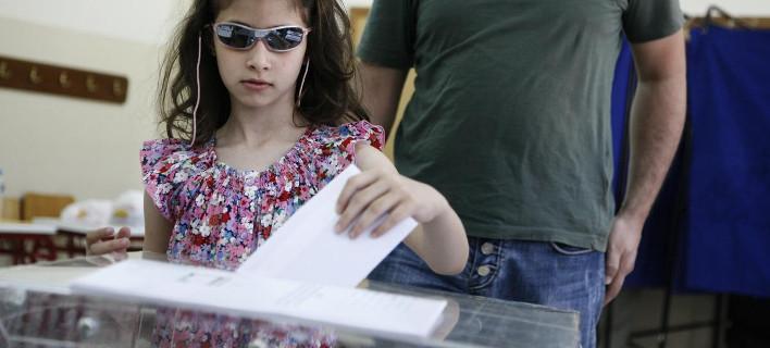 ΚΑΠΑ Research: Σταθερό το προβάδισμα του ΣΥΡΙΖΑ -Πώς κατανέμονται οι έδρες