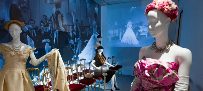 Η έκθεση του οίκου Christian Dior στο Παρίσι. Φωτογραφία: AP