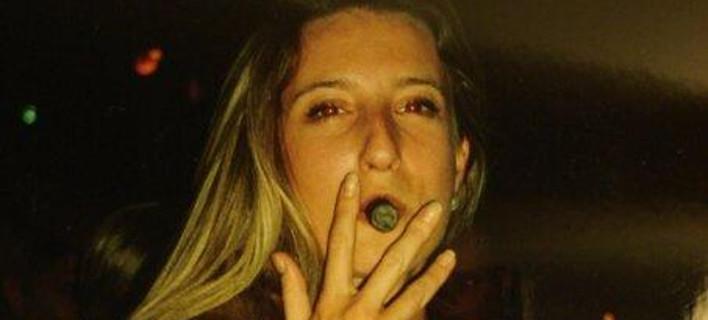 Ποια είναι η Ντόροθι Κινγκ που μιλά συνέχεια για την Αμφίπολη: Δωδεκάποντα Manolo, Playboy, τεστ Παπ, ανασκαφές, ανελέητο blogging [εικόνες]