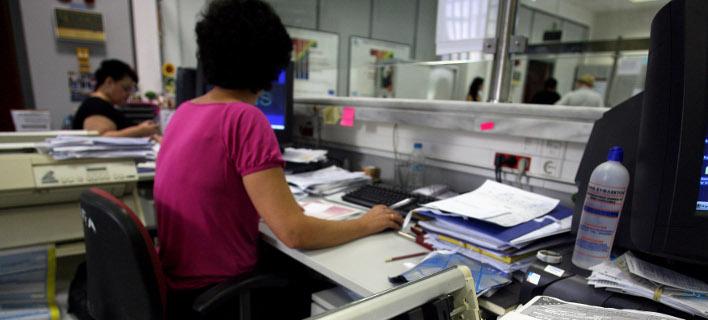 Εφοριακοί Αττικής: Το ΥΠΟΙΚ στοχοποιεί μικροοφειλέτες και παραγράφει χιλιάδες μεγάλες υποθέσεις φοροδιαφυγής