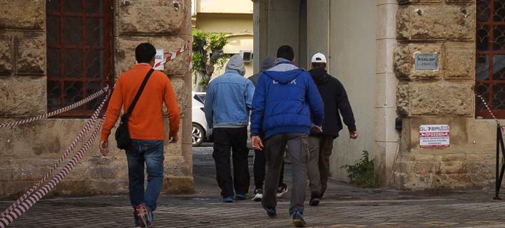 στον ανακριτή οι δύο που κατηγορούνται για τη δολοφονία της φοιτήτριας/Φωτογραφία: Eurokinissi