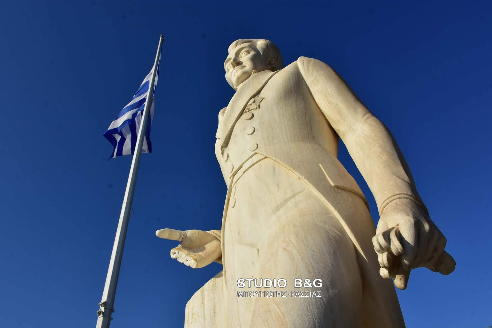 Μόνο ΑΝΘΕΛΛΗΝΕΣ θα μπορούσαν να το κάνουν! Για πολλοστή φορά ΒΑΝΔΑΛΙΣΑΝ το άγαλμα του Καποδίστρια στο Ναύπλιο