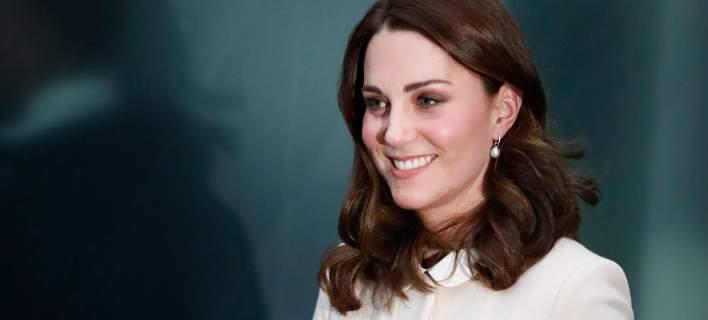 Μέντιουμ ισχυρίζεται πως θα γεννήσει σήμερα η Κέιτ Μίντλετον – Τι λέει για το φύλο και το βάρος του μωρού