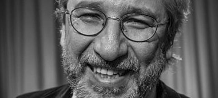 Τουρκία: Οι Αρχές εξέδωσαν ένταλμα σύλληψης κατά του δημοσιογράφου Τζαν Ντουντάρ
