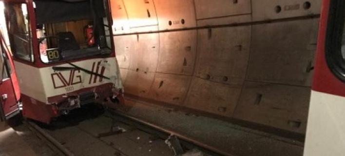 Σύγκρουση συρμών του μετρό στο Ντούισμπουργκ -Τουλάχιστον 20 τραυματίες