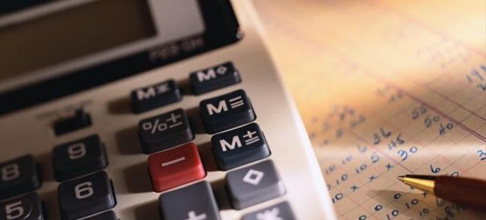 Η λίστα με τους φόρους-φωτιά που ζητάνε οι δανειστές -Κατασχέσεις μισθών και συντάξεων για οφειλές στο Δημόσιο