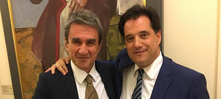 Αγκαλιές Αδωνι με Λοβέρδο – «Που είναι ο αγαπημένος μου υπουργός;» του φώναξε ο Γεωργιάδης [εικόνα]