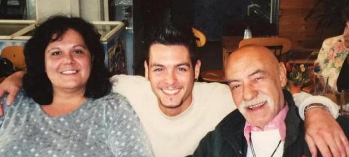 Ο άγνωστος γιος του Ανδρέα Μπάρκουλη: Τον είχε δει μόνο μια φορά, τον αποχαιρέτησε μέσω fb [εικόνα]