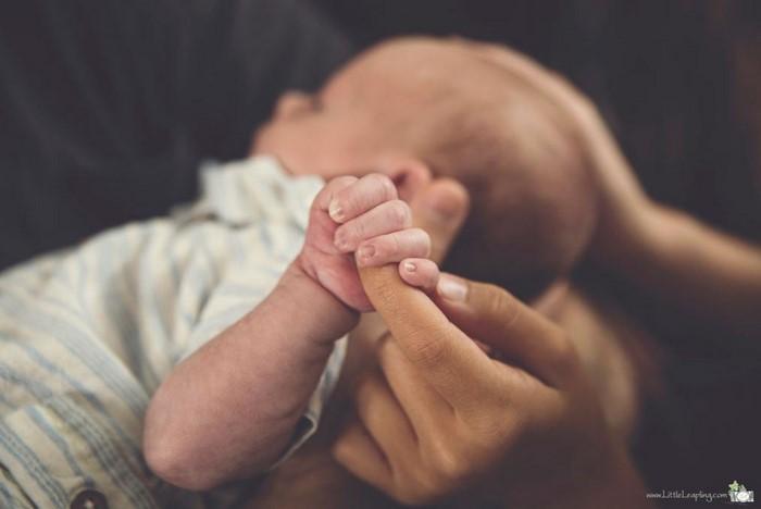 Γέννησε στο πάτωμα διαδρόμου του νοσοκομείου -Απίστευτες εικόνες