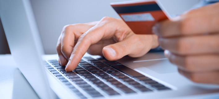Ολοένα περισσότεροι Ελληνες «ανακαλύπτουν» τις online αγορές/ Φωτογραφία: shutterstock